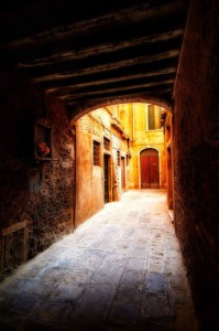 Photo of a residential side street, Venice, Italy, by visionbypixels.com