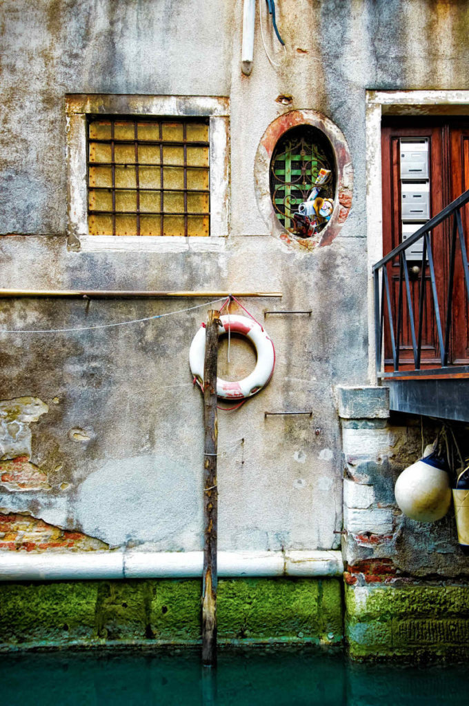 Photo of a Venetian canal residence, Italy, by visionbypixels.com