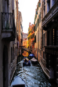 Photo of a canal in Venice, Italy, by visionbypixels.com